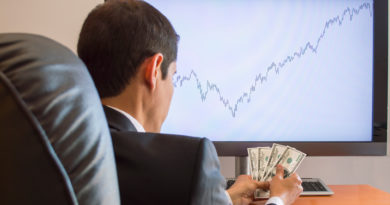 What Is the Difference Between a Broker and a Trader?